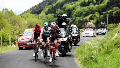 Lukas Pöstlberger ganal la etapa 2 del Critérium del Dauphiné