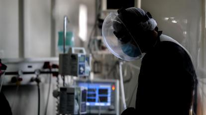 Colombia suma 17.893 casos nuevos y 500 muertes por covid-19