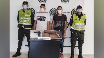 Policía del Atlántico los captura por porte ilegal de armas de fuego