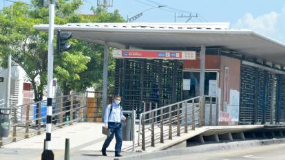 Transmetro suspende servicios por manifestaciones en la ciudad