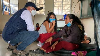 Defensor del Pueblo visita Necoclí por crisis de 15 mil migrantes