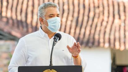 """""""No hay triunfos individuales, hemos superado la pandemia en equipo"""": Duque"""