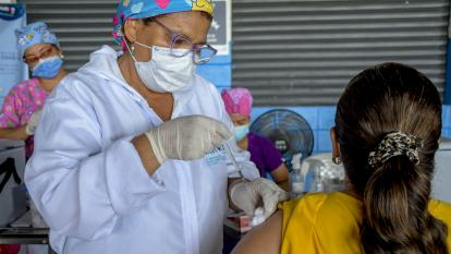 Récord de vacunación en Colombia: 550.832 dosis se aplicaron este viernes