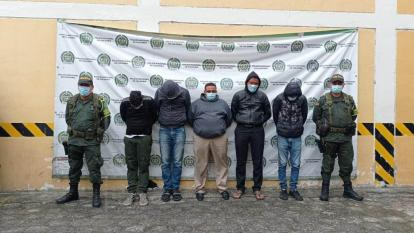 Policía captura a cinco personas por tráfico de migrantes