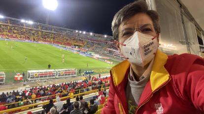 Claudia López, alcaldesa de Bogotá, rechazó incidentes en El Campín en Santa Fe vs. Nacional