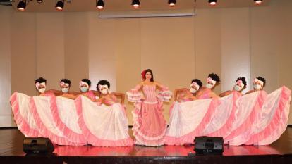 Valeria Charris se estrena en un escenario como reina del Carnaval