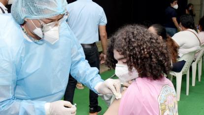 Comenzó este sábado vacunación a menores entre 12 y 14 años en Cesar