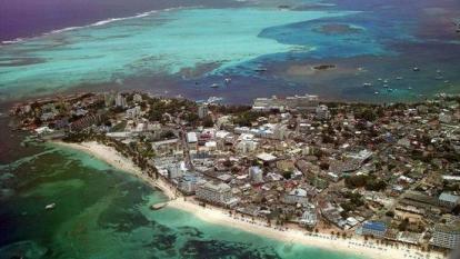 """""""Con Nicaragua es mejor la tensión que entregar el mar"""": Uribe"""
