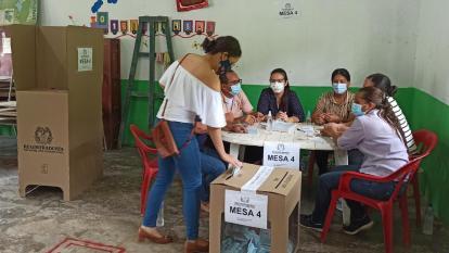 Total normalidad en elecciones atípicas