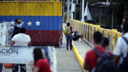 Opositora venezolana dice que se agudizó violencia en frontera con Colombia