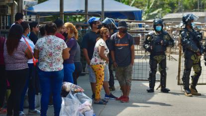 Colombia investiga si hay colombianos entre 118 muertos en prisión de Ecuador