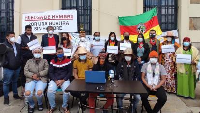 Se retiran dos jóvenes de la huelga de hambre