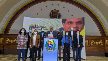 La oposición venezolana repudia retraso del diálogo en México