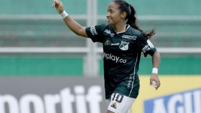 La colombiana Pavi se perderá la Libertadores por ruptura de ligamentos