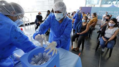 Vacunación contra el covid-19: Experta de CDC en EE. UU. recomienda aplicar la misma vacuna en dosis de refuerzo