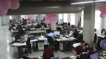 La redacción de EL HERALDO se pone en #ModoRosa