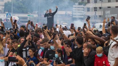 París, una locura por cuenta del fichaje de Lionel Messi