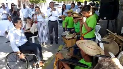 A ritmo de tambores fue recibido en Malambo el consejero Clopatofsky