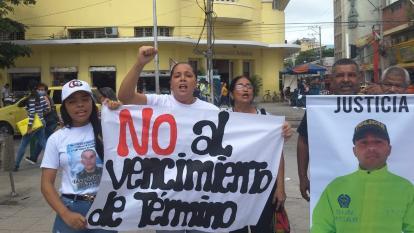 """""""No al vencimiento de términos"""": familia de patrullero de la Sijin asesinado exige justicia"""