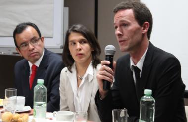 William Rodríguez, Mariana de Sevin y Phillipe Valent, abogados de Zuccardi