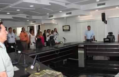 El director del Inpec, general Gustavo Ricaurte, se reunió con sus funcionarios en el comando de la Policía.