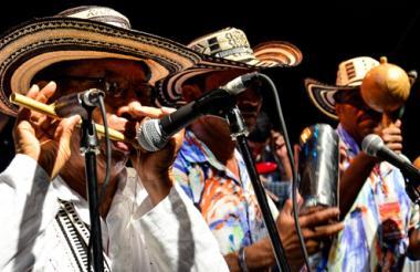 Este año acompañaron los gaiteros de Ovejas y Punta Brava.