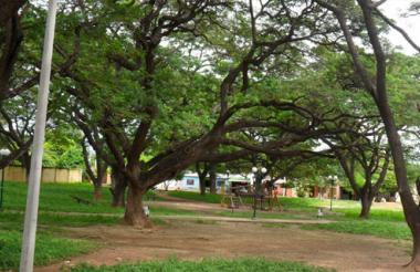 El parque de Los Algarrobillos es el centro de recreción de los barrios que conforman la comuna dos en el sur de Valledupar.