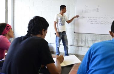 Las Pruebas PISA dejaron a Colombia en el último puesto entre 44 países, en una prueba de habilidad para resolver problemáticas del siglo XXI, realizada a 85 mil estudiantes de 15 años, 9 mil de ellos colombianos.