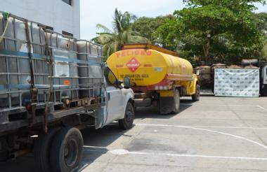 Diez personas detenidas e igual número de camiones fueron inmovilizados en el operativo.