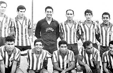 Formación del Junior en 1966, arriba de izquierda a derecha: Hermenegildo Segrera, Nelson Díaz, Calixto Avena, Walberto Maya, Ramón Collante y Arturo Segovia. Abajo: Dacunha, Dida, Antonio Rada, Quarentinha y Jailton.