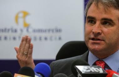 Pablo Felipe Robledo, superintendente de Industria.