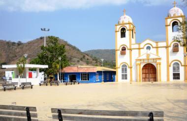 """Plaza central de Chalán, desolada. Por años, después de la masacre, fue conocido como """"el pueblo candado"""" porque quedó casi solo."""