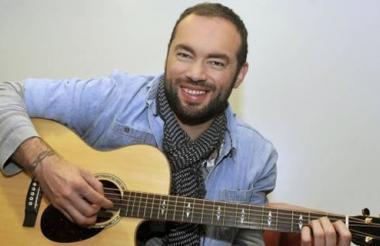 Santiago Cruz cantará sus temas más conocidos.