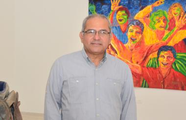 El director El artista, curador y crítico de arte Néstor Martínez, conocido también como Perínclito, es egresado (1980) del programa de Artes Plásticas de la Universidad del Atlántico. Dirigió durante dos períodos el programa de Artes Plásticas de la Escuela de Bellas Artes. Fue secretario académico. Es profesor universitario de Arte en el Caribe colombiano desde hace 34 años.