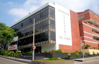 Fachada de la Universidad Autónoma, en donde se llevará a cabo el encuentro que reúne a distintos pensadores.