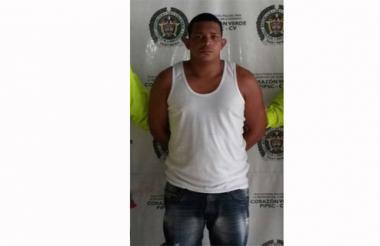 Elkin Bladimir Olivo Mercado, de 27 años, alias el Oso, capturado por la Sijín de la Policía.