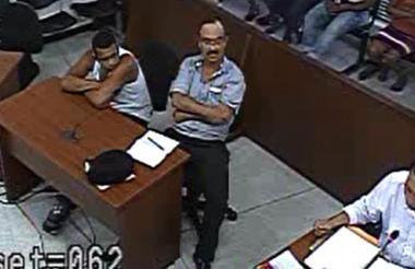 Aspecto de la audiencia de imputación decargos contra Elkin Olivo, de camisilla.