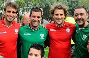Entre los futbolistas que participaron en la actividad estuvieron Diego Forlán, Álvaro 'el Chino' Recoba y Rubén Sosa.