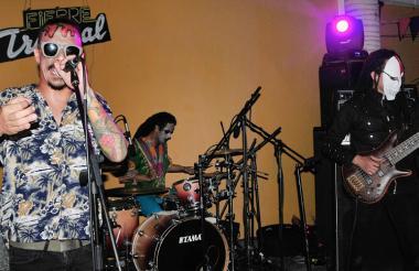 La banda Colectro interpretó canciones de su último álbum 'Coletera', en la noche de Fiebre Tropical.