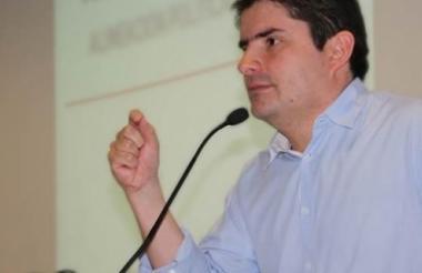 Luis Felipe Henao Cardona, Ministro de Vivienda.