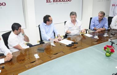 Juan Carlos Echeverry, Alejandro Char, Marco Schwartz, el presidente Juan Manuel Santos, Eduardo Verano De la Rosa y Tomás González.