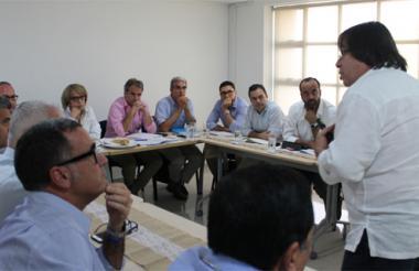 Aspecto de la reunión realizada en Cartagena con la ministra de Comercio.