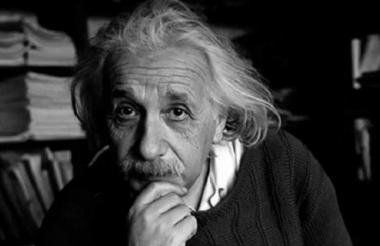 Los aportes del científico alemán Albert Einstein tienen hoy en día usos prácticos en elementos como los satélites GPS y los paneles solares.