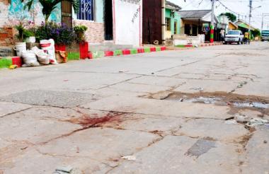 En esta calle del barrio Rebolo se registró el homicidio del joven de 18 años.
