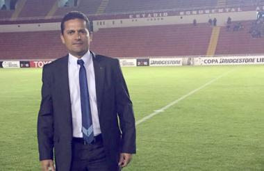Fotografía de Dionisio Ruiz tomada en el estadio de la Universidad Nacional San Agustín de Arequipa, Perú, cuando Melgar perdió 2-1 con Colo-Colo.