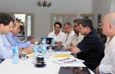 Delegados de Gobierno y Farc en una de sus jornadas en La Habana.