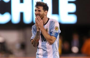 Lionel Messi, triste ante una nueva final perdida con Argentina.