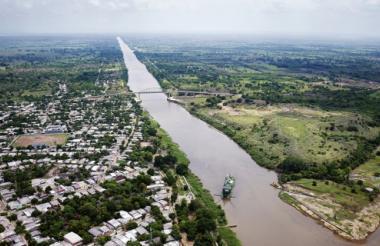 Las autoridades departamentales realizan seguimiento permanente al Canal del Dique, en el sur del Atlántico, por los antecedentes graves de inundaciones.