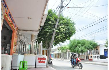 En el barrio Villa Katanga del municipio de Soledad, varias familias están en la subnormalidad eléctrica.