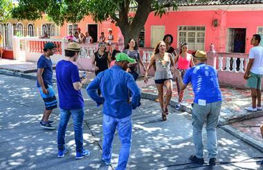 La cantante Maía, rodando su videoclip en las calles de Barranquilla.